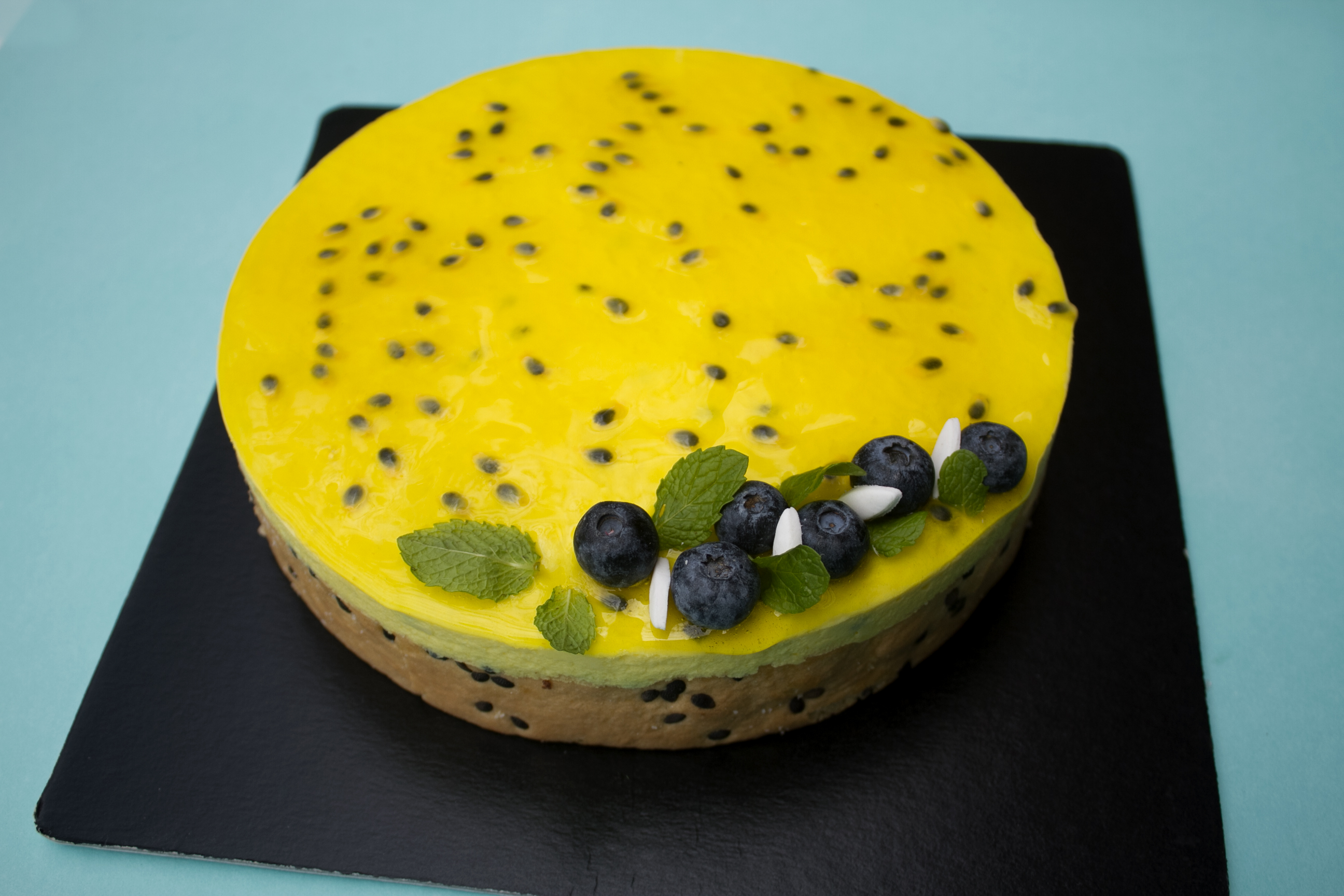 french-bakery-in-kenya-passion-cake